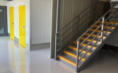 Pelibox Self Stockage Entrée Escalier