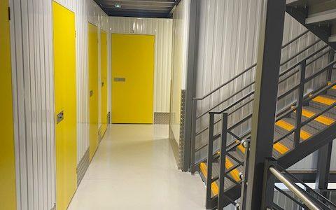 Pelibox Self Stockage Couloir Escalier